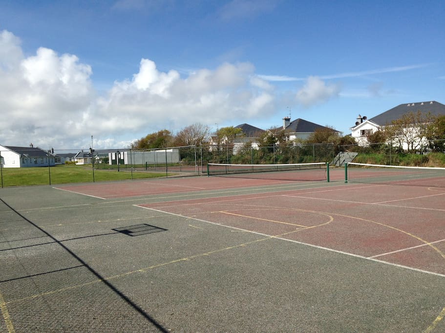 on site tennis courts.