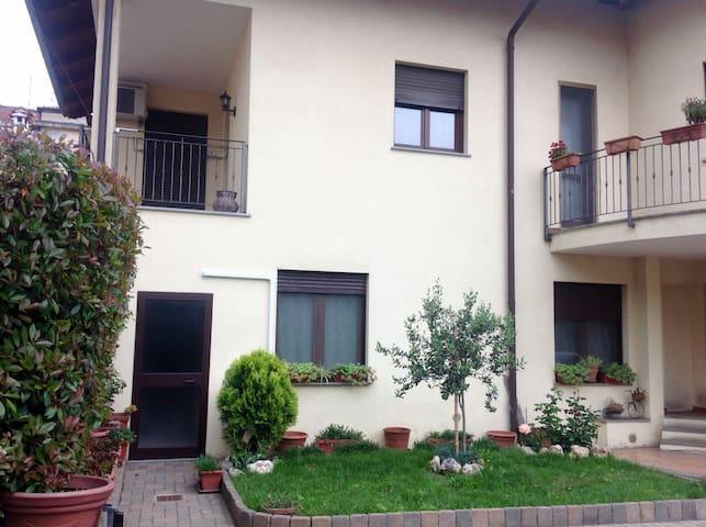 piso de 2 plantas en casa unifamili - Nichelino - Дом