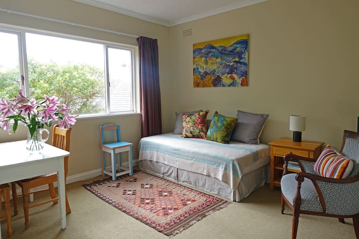 The Garden Flat. Your home in Kalk Bay