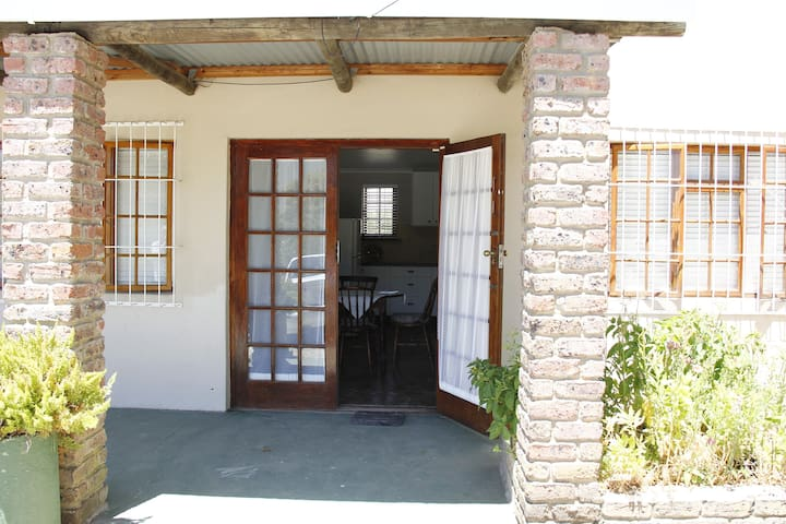 FAMILY Cottage: Crakes'Nest - Swellendam - Apartment