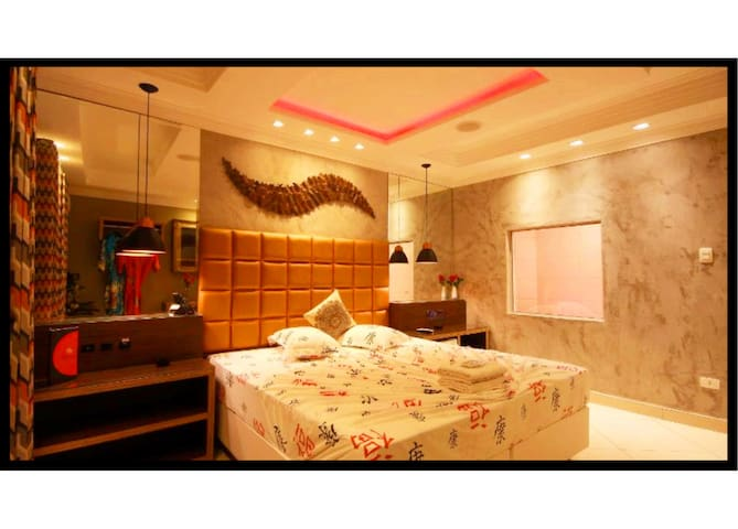 Gloria Plaza Hotel (Adults Only)