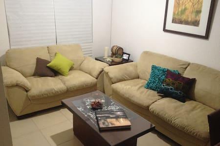 Habitación cerca de Zona Industrial / Ind. Zone - Los Lagos