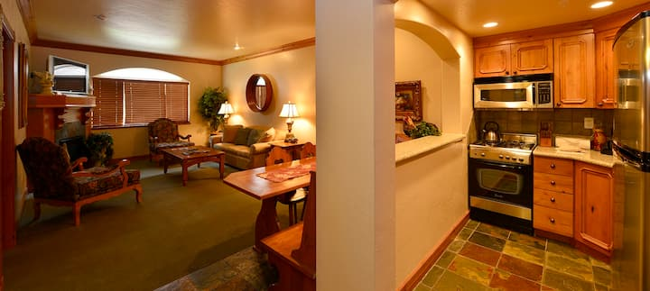 4-STAR RESORT & SPA - 1 BR Condo with Full Kitchen