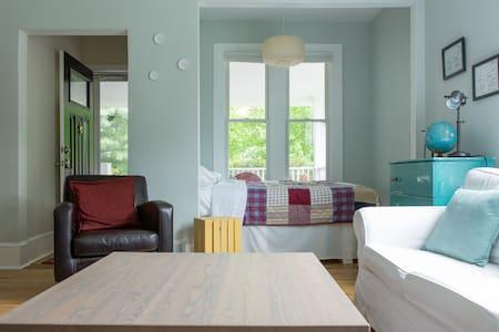 Cottage Home - Cleveland West - Lakewood - House