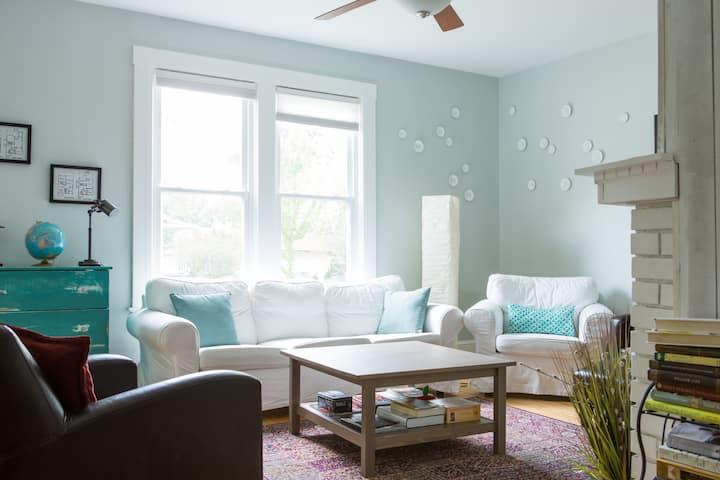 Comfy Cottage Home - Cleveland - Lakewood - West