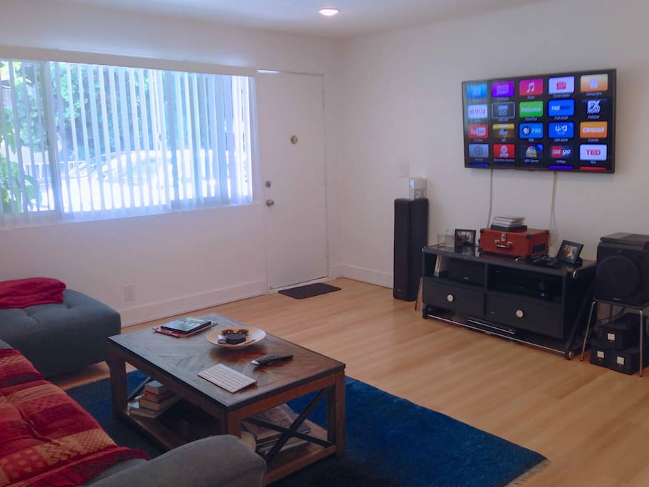 Quiet 1 Bedroom Walk To Everything Apartments For Rent In Los Angeles Cal