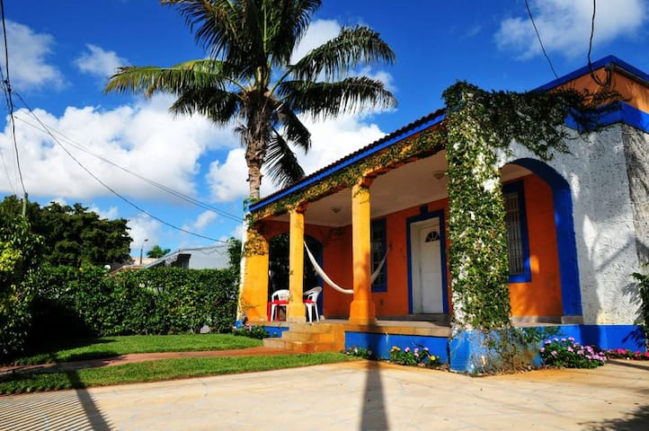 Little Havana Historic Property - Miami - Hus