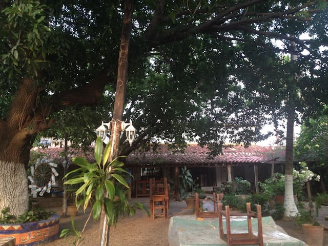 Zimmer im Kolonialhaus mit grossem Garten!! - Juchitán de Zaragoza - Rumah