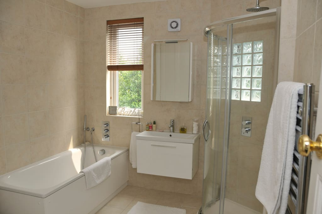 The large and airy bathroom