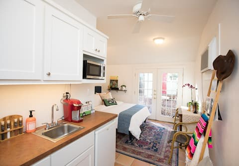 Private, Chic, Luxury 1 BR Studio - See Reviews!