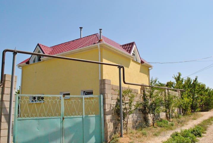 Уютный Таунхаус у моря - Staryy Oskol - Wohnung