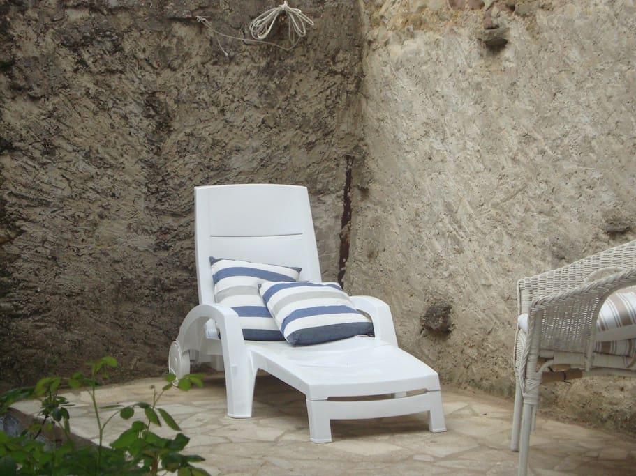 Private sunbaking terrace