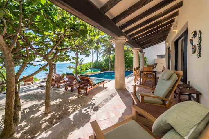Beachfront 5 bedroom luxury villa w/pool and wifi