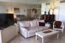 Ocean Manor, Beach, Balcony,Kitchen, Studio Apt.