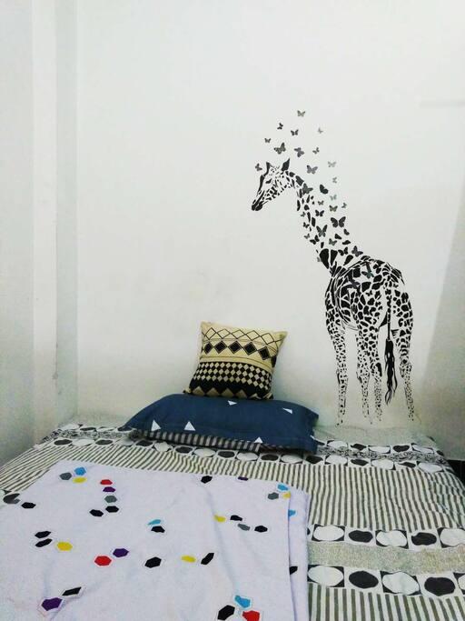 榻榻米床垫,长颈鹿陪伴