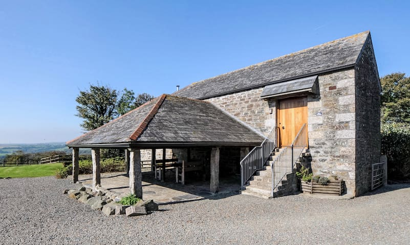 Mill Barn, dog-friendly barn for 6, North Cornwall - Saint Teath - Huis