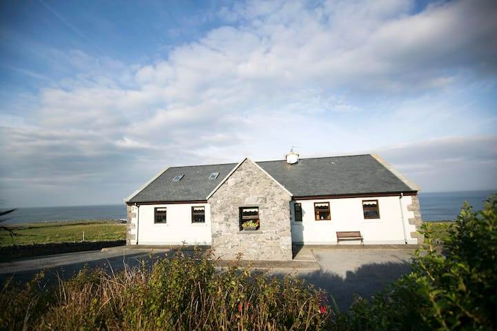 Seaview Cottage - Clare - Holiday home