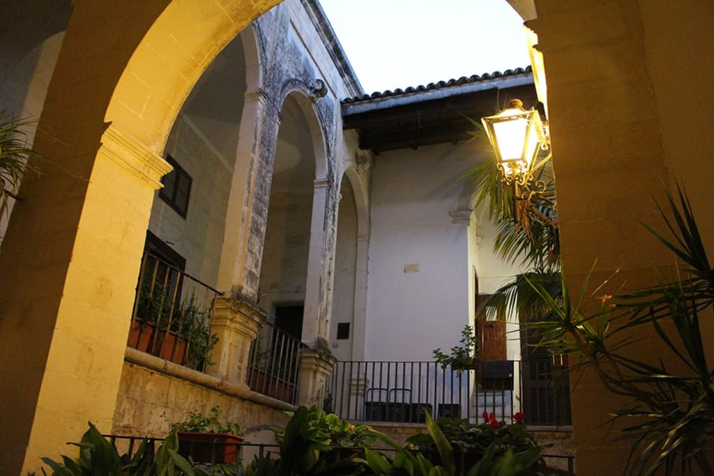 Cortile palazzo del XVIII secolo