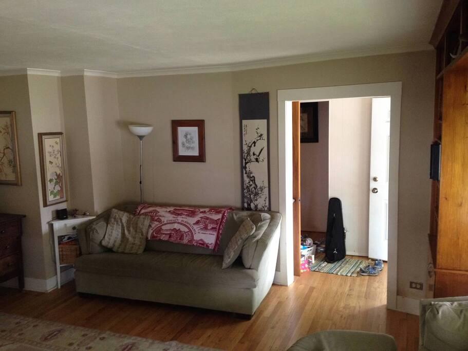 Living Room has Piano, TV.