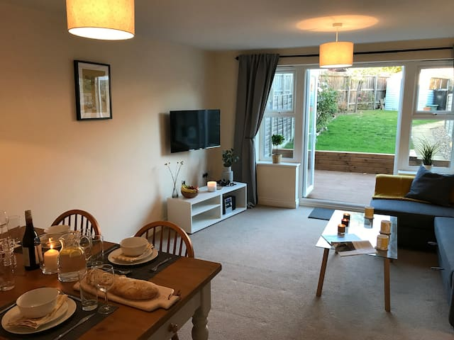 Merivale Place - Modern 3 bed town house in Ely