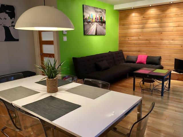 Appartement entier, moderne et chaleureux,Montréal