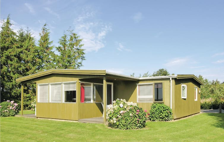 Holiday cottage with 3 bedrooms on 117m² in Kirke Hyllinge