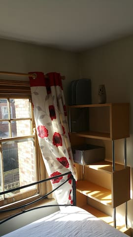 Double Room close to The City and Cathedral. - Salisbury - บ้าน