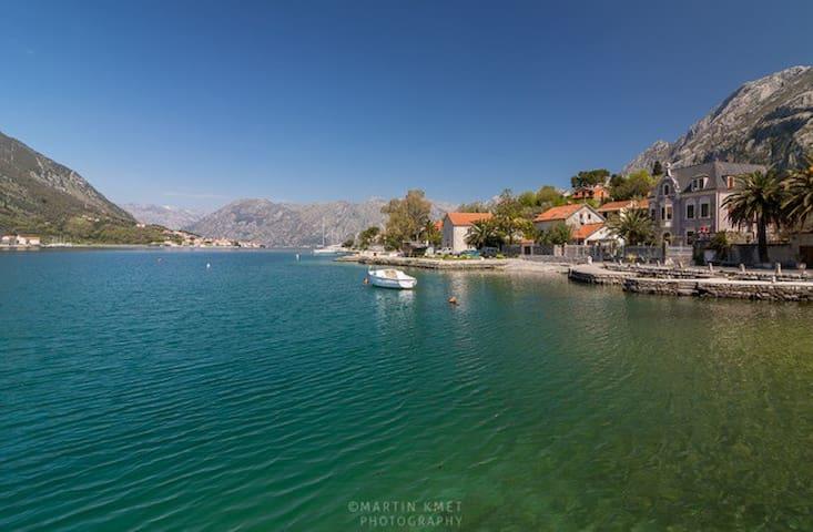 House on Water in Kotor, Montenegro - Kotor - Huis