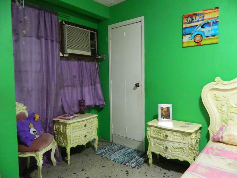 Habitaci n y ba o privado casas en alquiler en maracaibo for Habitacion ambiente familiar