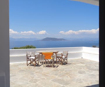 Holiday cottage 1Km from the beach, isle of Aegina - Egina