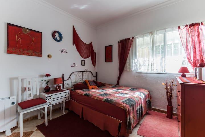 Amplio y comodo Chalet Room 2 - Jerez de la Frontera - Huis