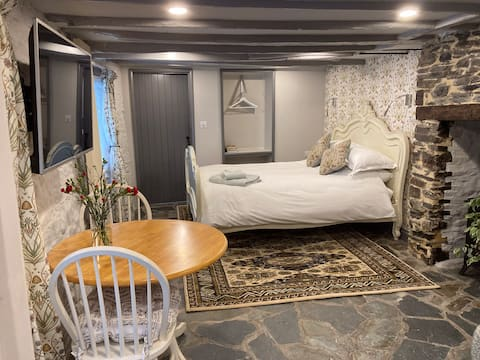 Cottage Suite, Self Contained Cosy Accommodation