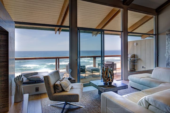 725 A Shore Thing *OCEANFRONT*