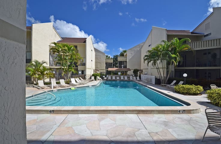 Affordable ground floor unit, Access to heated pool