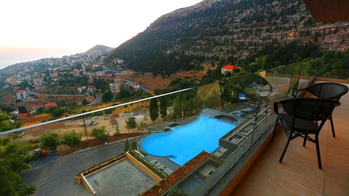 Valley View Suite   Balcony&Jacuzzi   1BR   Ehden