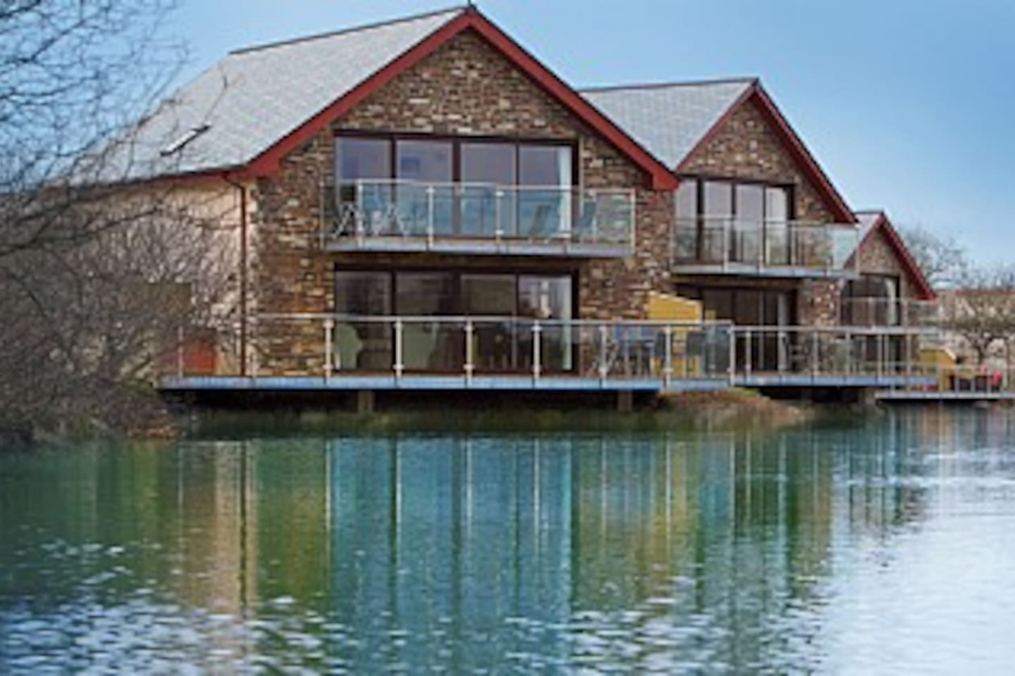 Fistral Lodge 102 - Rear view with private veranda overlooking the lake