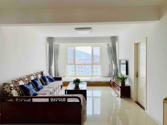 长岛家悦聚仙公寓海景三居室1601