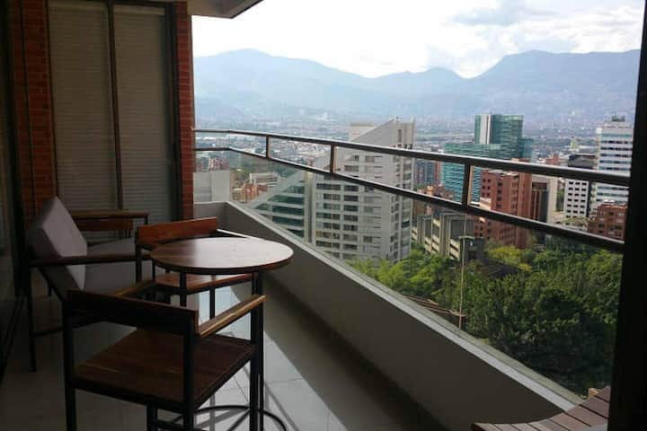 4 Bedroom Apartment with Medellin's Intrinsic view