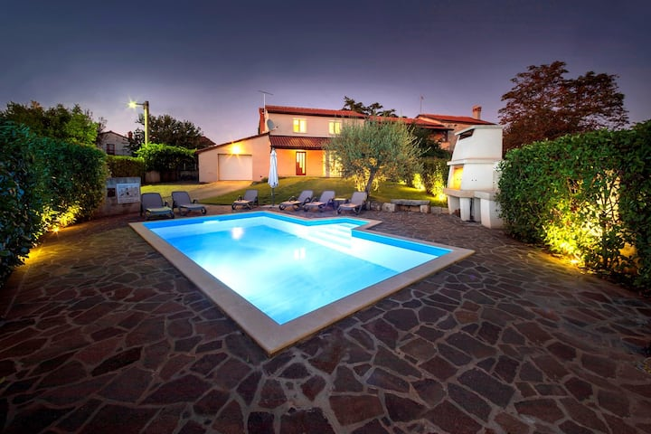 Charming Villa Nina near city of Porec