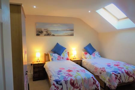 Lovely Twin Room close to Saundersfoot & Tenby - Pembrokeshire