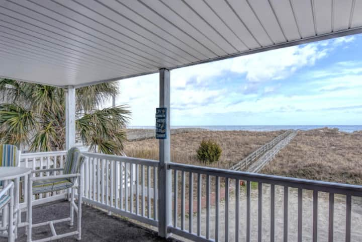 Oceanfront & Pet friendly! 🏖 The Seagulls Nest 🌊