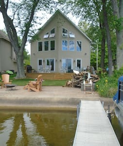 Lake Front Getaway - Great  Relaxing Retreat!