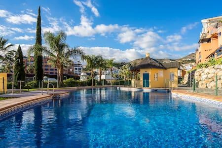 Duplex grand standing, sur front de mer, piscine