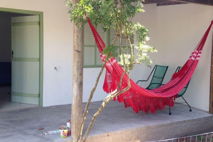Casa de Fundos no Centro de Imbituba/Praia da Vila