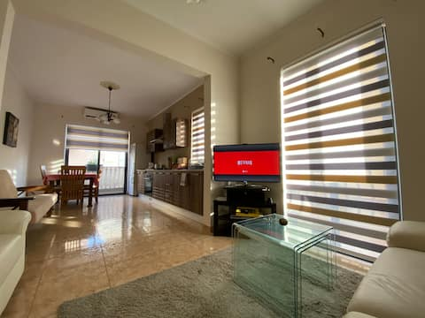 Silent Modern Apartment close to Airport/Bus Stops