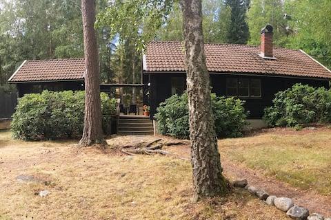 Log cabin close to Lake Mälaren