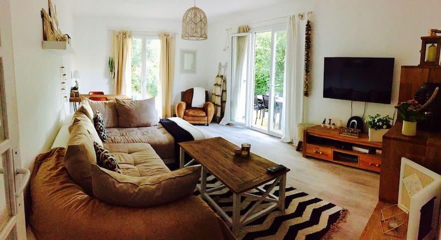 Grand 2 pièces de 52m² avec jardin de 100m² - Vence - Apartamento