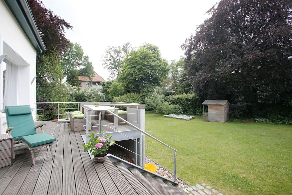 Ihre Terrasse - your patio.