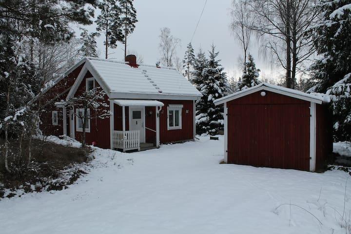 Schönes Haus in Småland mitten im Glasreich / Wald