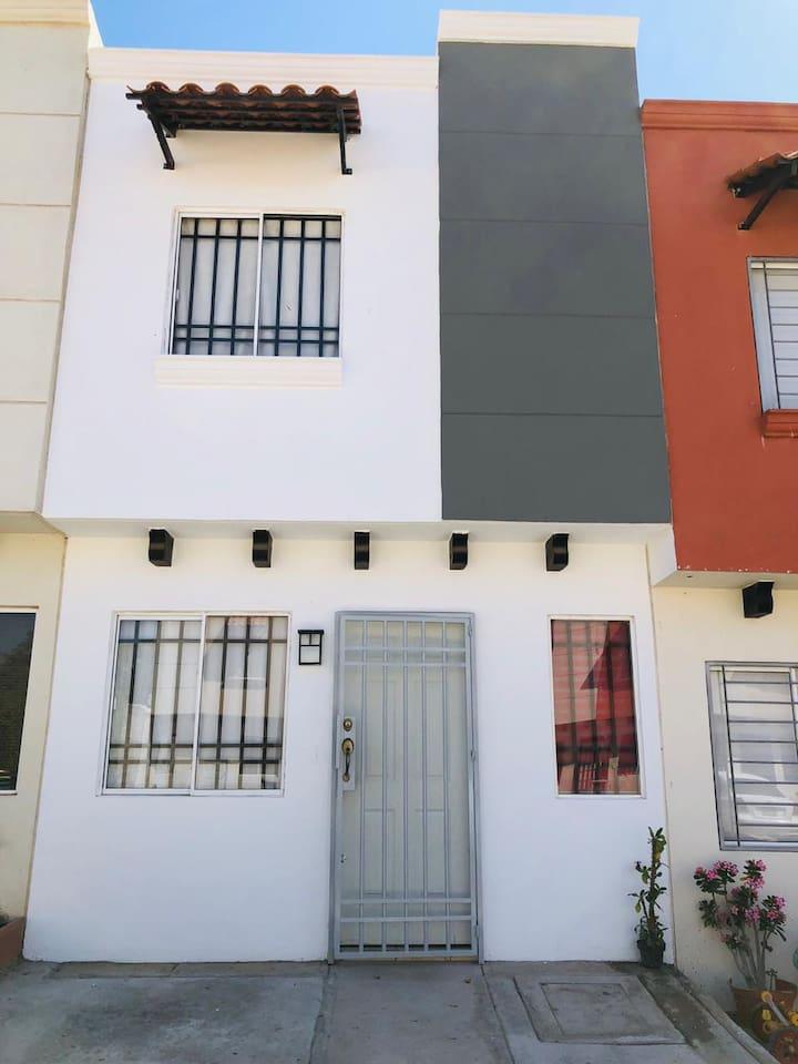Casa De 2 Plantas y 2 Habitaciones